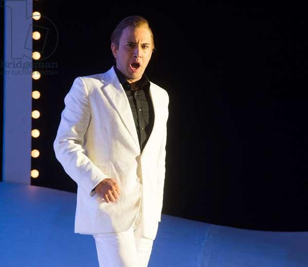 Luciano Botelho as Lindoro performing in L'Italiana in Algeri at Garsington Opera