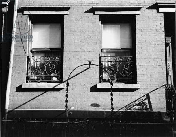 Building Windows, New York, 1945 (silver gelatin print)