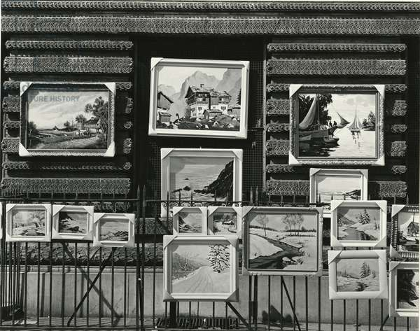 Paintings On Street, New York, 1943 (silver gelatin print)