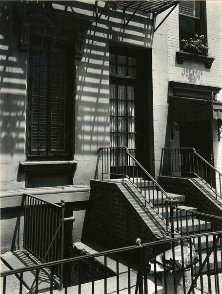 Building, New York, 1945 (silver gelatin print)