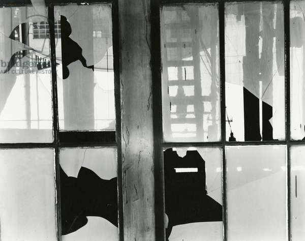 Broken Window, Storefront, San Francisco, 1960 (silver gelatin print)