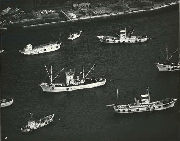 Ships, Japan, 1970 (silver gelatin print)