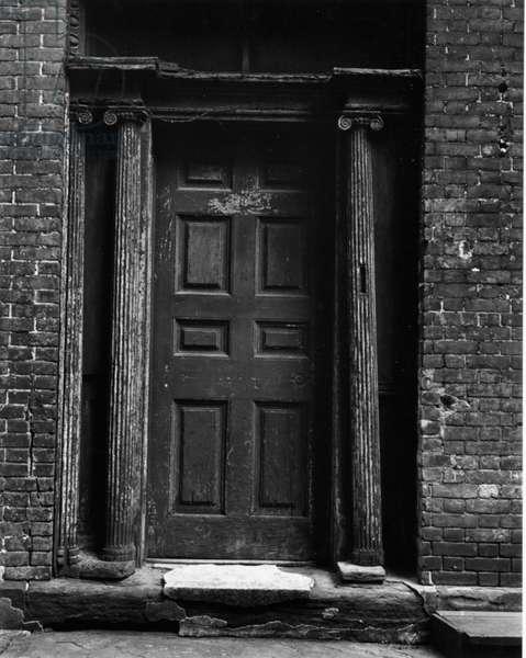Doorway, New York, 1943 (silver gelatin print)