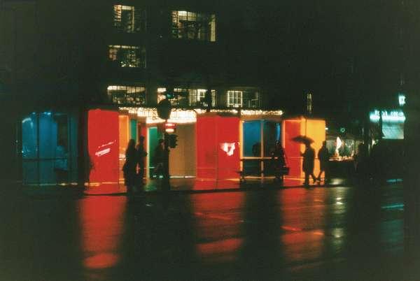 Labyrinthe de Chromosaturation et Promenade Chromatique pour un lieu public, 1965-69 (painted wood and plexiglass chromo-cubicles with red, green, blue and yellow coloured lamps)