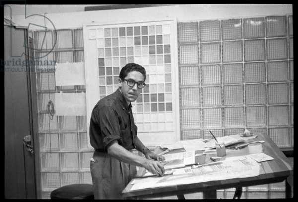 Carlos Cruz-Diez in his design studio. Revista  Momento, Caracas, 1957 (b/w photo)