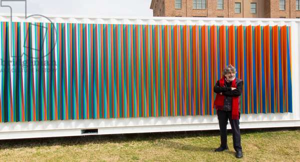 Carlos Cruz-Diez in front of the Physichromie SCAD, 2017 (chromography on aluminum)