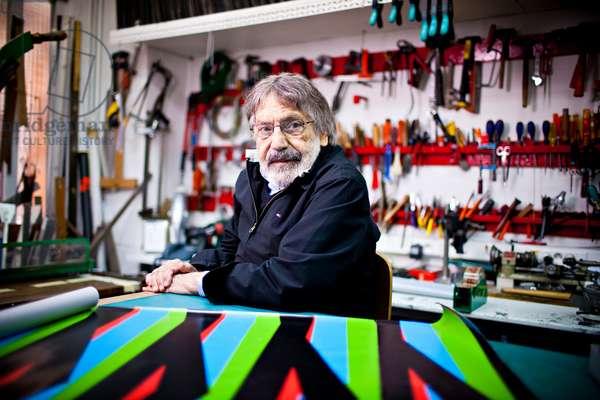 Carlos Cruz-Diez in his artist's workshop, 2011