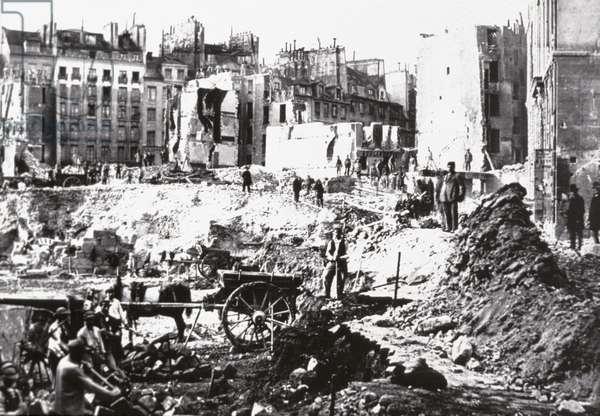 Rebuilding of Paris, 1865 (b/w photo) (b/w photo)