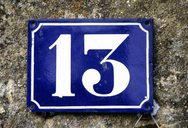 Street plate 13