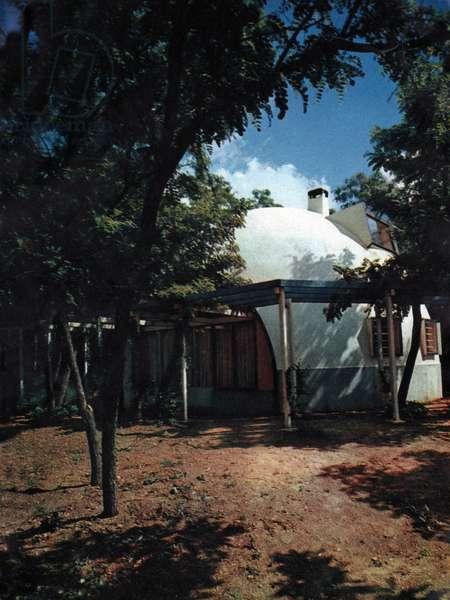 Maison hutte, Modern hut, 1958 (photo)