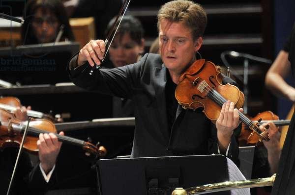 Christian Tetzlaff with the BBC SO (photo)