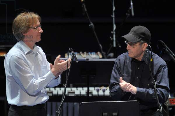 Rainer Römer and Steve Reich performing 'Clapping Music' (photo)