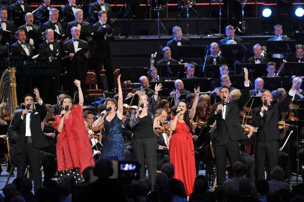 Full cast performing at BBC Prom 59 (photo)