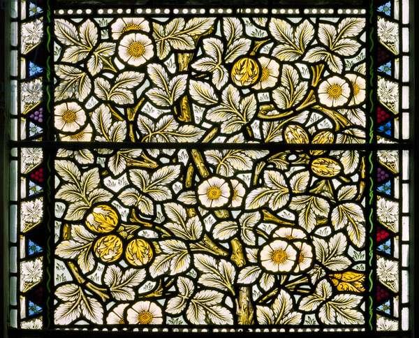 Kirkcaldy Old Kirk, Morris & Co., William Morris, Wild Roses & Hazelnuts, 1886
