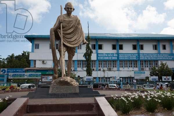 Mahatma Ghandi statue and market, Andaman Islands, Port Blair, Tamil Nadu, India, January 2017 (photo)
