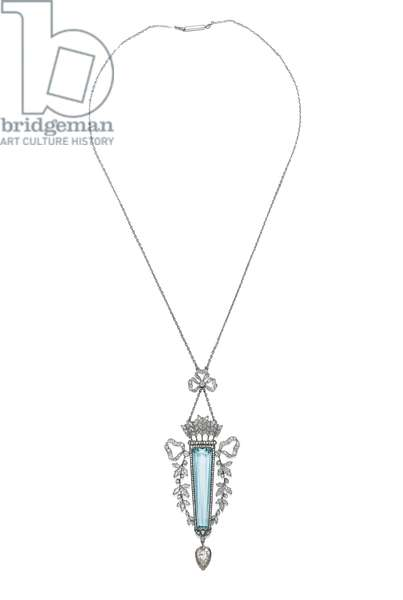 A gold-mounted diamond and aquamarine pendant necklace, c.1899-1908 (gold, diamonds)
