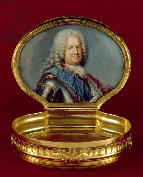 Louis XV cartouche-shaped Royal snuff-box with interior portrait of King Stanislas Leszczynski (1677-1766), probably by Claude de Serre, Paris 1728/9 (mother-of-pearl and gold)