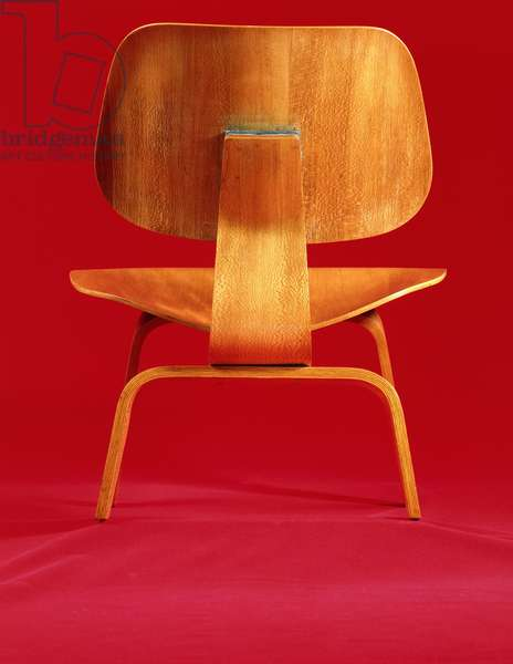 A LCW (lacewood lounge chair) designed by Charles Eames (1907-1980) for Evans Products Co, c.1945/6 (laminated satinbirch)