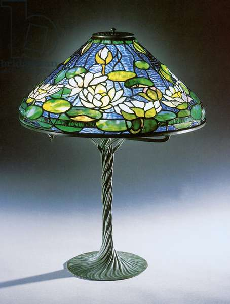 'Pond lily' table lamp, Tiffany Studios (leaded glass & bronze)