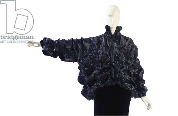 Black wrinkled organza zip-up jacket, probably Issey Miyake, 1990s (photo)