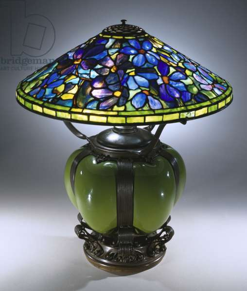 A 'Clematis' table lamp, Tiffany Studios (leaded glas, blown glass and bronze)