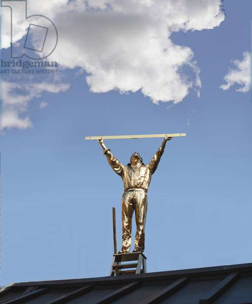 The Man Who Measures the Clouds; De Man Die De Wolken Meet, 1998 (polished bronze)