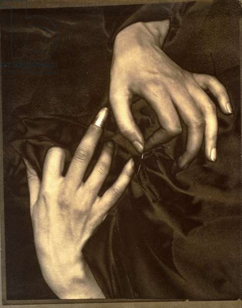 Georgia O'Keefe: A Portrait - Hands with Thimble, 1920 (solarised palladium print)