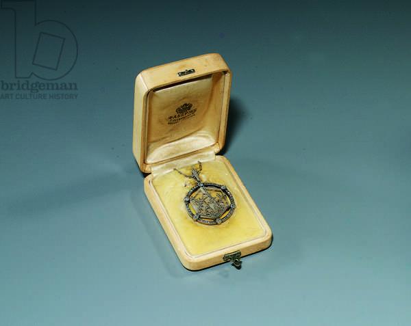 Snowflake pendant, 1913 (platinum, rock crystal & diamonds)
