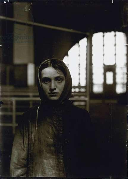 Young Russian Jewess, Ellis Island, 1905 (gelatin silver print)