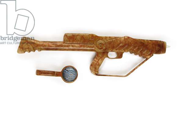 Suliban rifle and scanner, prop used in 'Star Trek: Enterprise', c.2001 (mixed media)