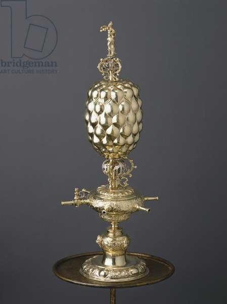 Parcel-gilt trick drinking cup, c.1630 (gold & vermeil)