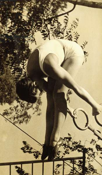 On the Rings, 1938 (gelatin silver print, on warm toned textured paper)