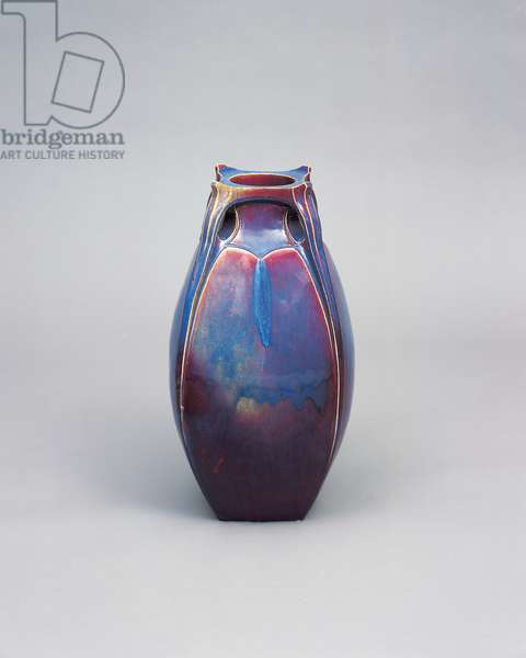 Large vase, made by Reinhold Hanke, 1901-02 (stoneware)