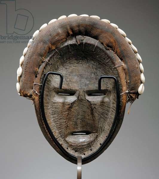 Dan Mask or Deangle (wood & shells)