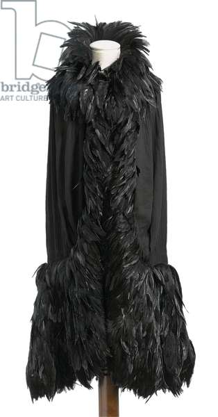 Black chiffon cape, Coco Chanel, c.1920s (photo)