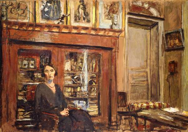 Woman in an Interior, c.1920 (peinture a la colle on paper laid down on canvas)