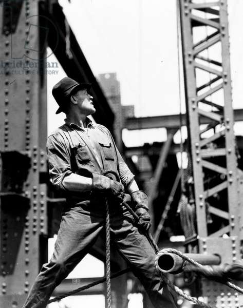 Derrick man, Empire State Building, 1930-31 (gelatin silver print)