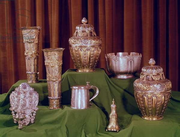 Collection of silver and silver-gilt pieces, pre 17th century