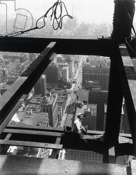 Sitting on Beam, The Empire State Building, 1930s (gelatin silver print)