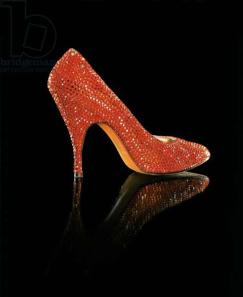 Stiletto by Salvatore Ferragamo, owned by Marilyn Monroe (photo)