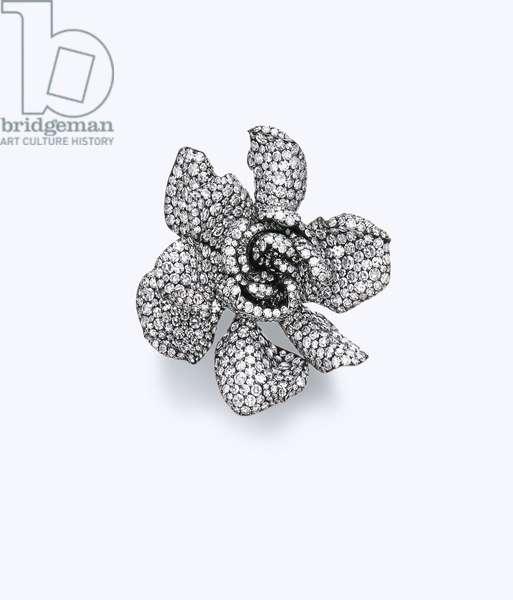 'Gardenia' ring (diamonds, silver & gold)