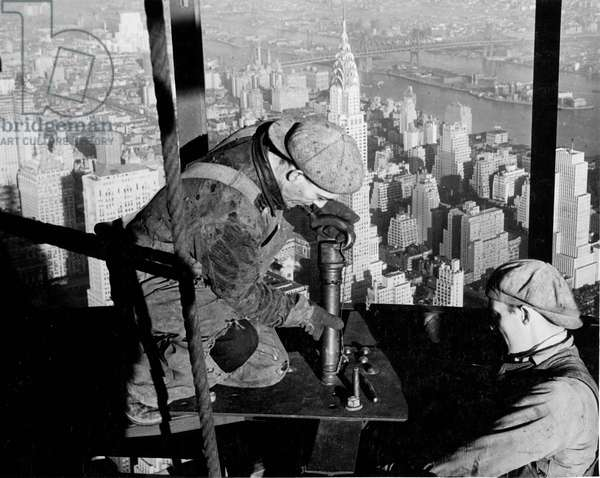 Riveters on the Empire State Building, 1930-31 (gelatin silver print)