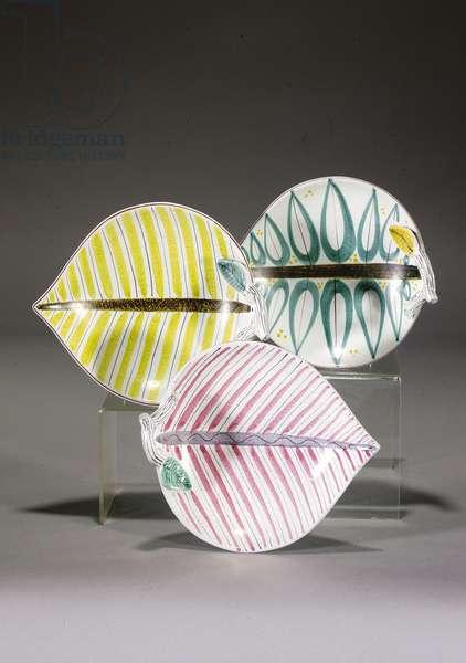Three Gustavsberg leaf-shaped dishes (ceramic)