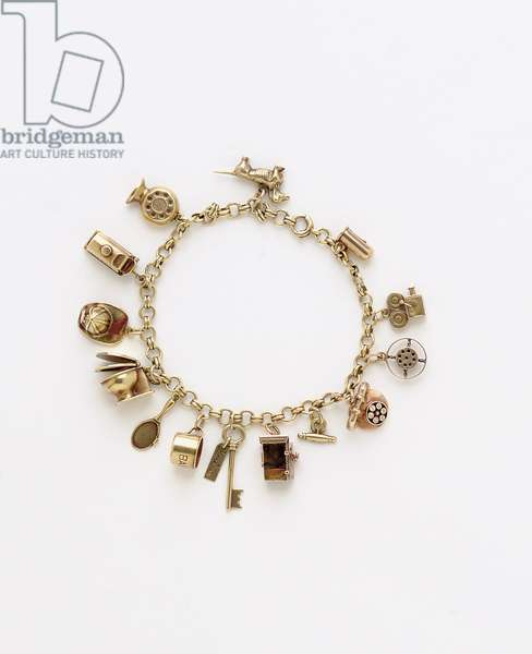 Charm bracelet belonging to Jean Harlow (gold)