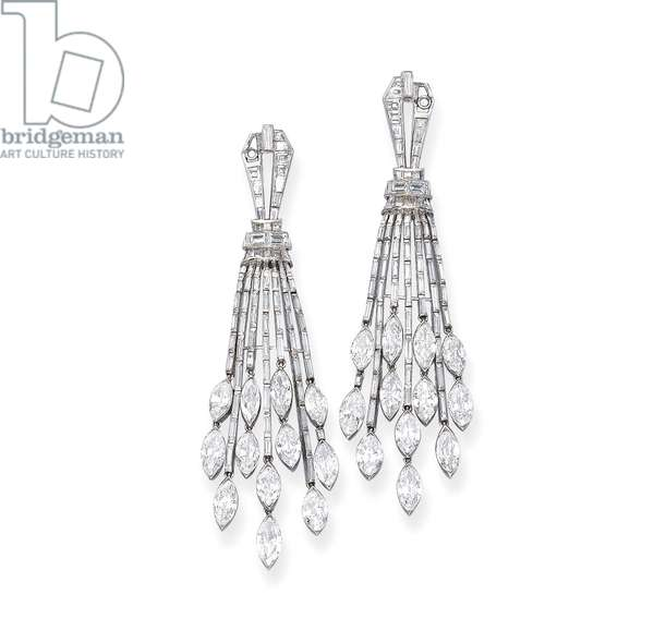 Pair of Art Deco ear pendants, c.1930 (diamonds & platinum)