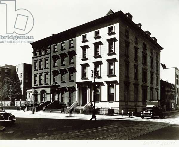 Fifth Avenue Houses, Nos. 4-6-8, 1936 ; 1982 (oversized silver gelatin print)