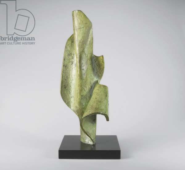 Vertical Form, 1962 (bronze with a green patina)
