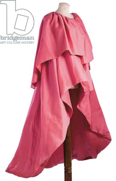 Voluminous pink silk gazar evening cape, Simonetta, Rome, 1970 (photo)