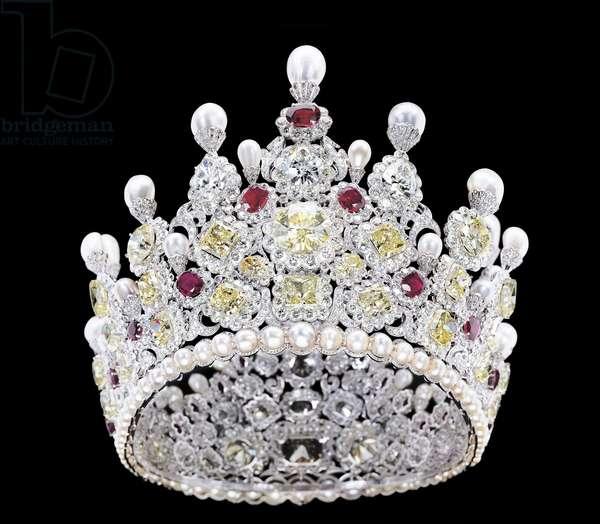 Crown (diamonds, pearls & rubies)