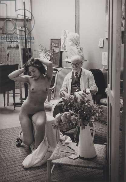 Matisse and his model at the Villa d'Alesia, Paris, 1939 (gelatin silver print)